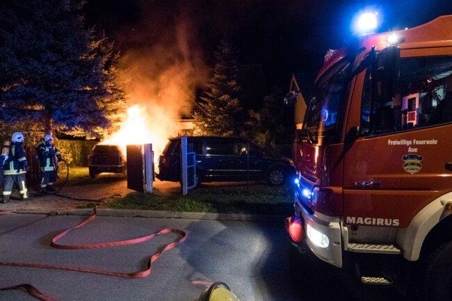 Die Feuerwehr versuchte den Brand schnellstmöglich zu löschen.