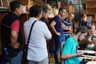 Vor Jahresfrist waren Lehrer der Klingenthaler Berufs- und Berufsfachschule noch zu einer Exkursion der Firma Strunal Schönbach.