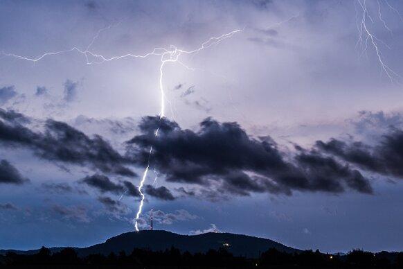Meteorologen erwarten heftige Gewitter mit Starkregen und Hagel