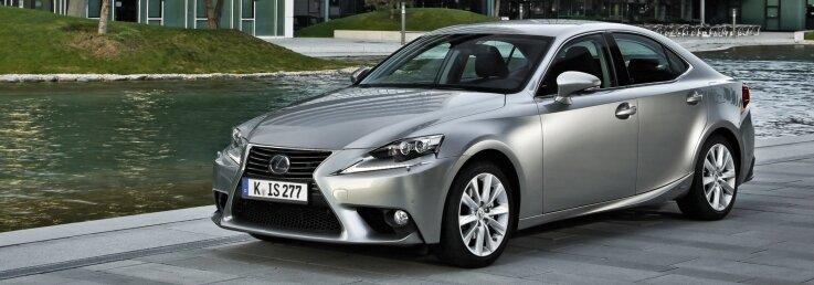Der Lexus IS 300F-Sport punktet nicht nur mit elegantem Design.