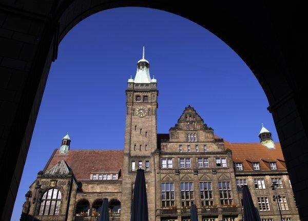 Wider das Amtsdeutsch: Im Rathaus Chemnitz bemüht man sich um eine bessere Sprache.