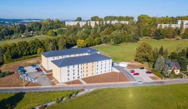 """Das Pflegeheim """"Erzgebirgsblick"""" in Neukirchen ist nach etwa eineinhalb Jahren Bauzeit fertiggestellt. Nach seiner Eröffnung sind bereits einige Räumebezogen."""