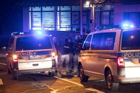 Vier Tatverdächtige nach Firmeneinbruch festgenommen
