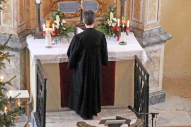 Superintendentin Hiltrud Anacker feierte den ersten Gottesdienst des Tages in der Kirche Naundorf.