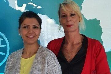 Atefeh Dana (links) und Diana Wetzel von der Internationalen Oberschule in Neukirchen führten die Sprachprüfungen durch.