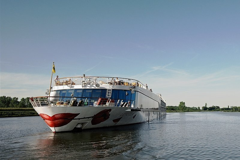 Die Rose im Kussmund: das Markenzeichen der insgesamt elf Flusskreuzfahrtschiffe von Arosa.