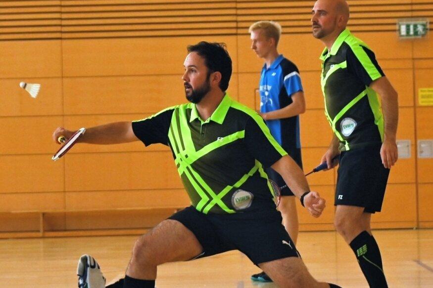 Die Stollberger - hier Robert Helbig (vorn) und Marcus Gundermann - gewannen zwar ihr Doppel, mussten sich aber mit dem Team dem TSV Blau-Weiß Röhrsdorf mit 2:6 geschlagen geben.