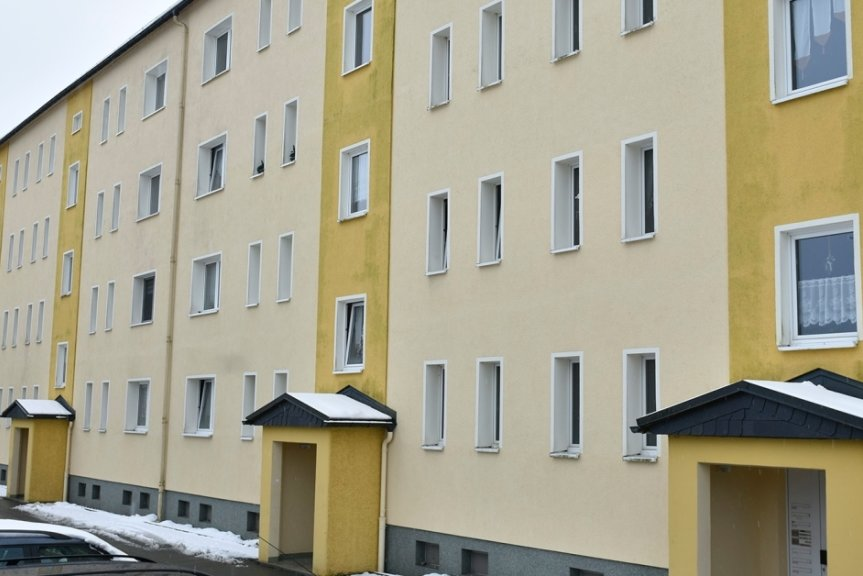 Die Wohnungsbaugenossenschaft Musikwinkel will am Robert-Schumann-Ring 23-26 in Markneukirchen investieren. Es geht dabei um breitere Balkone, Aufzüge und teilweise auch neue Wohnungszuschnitte.