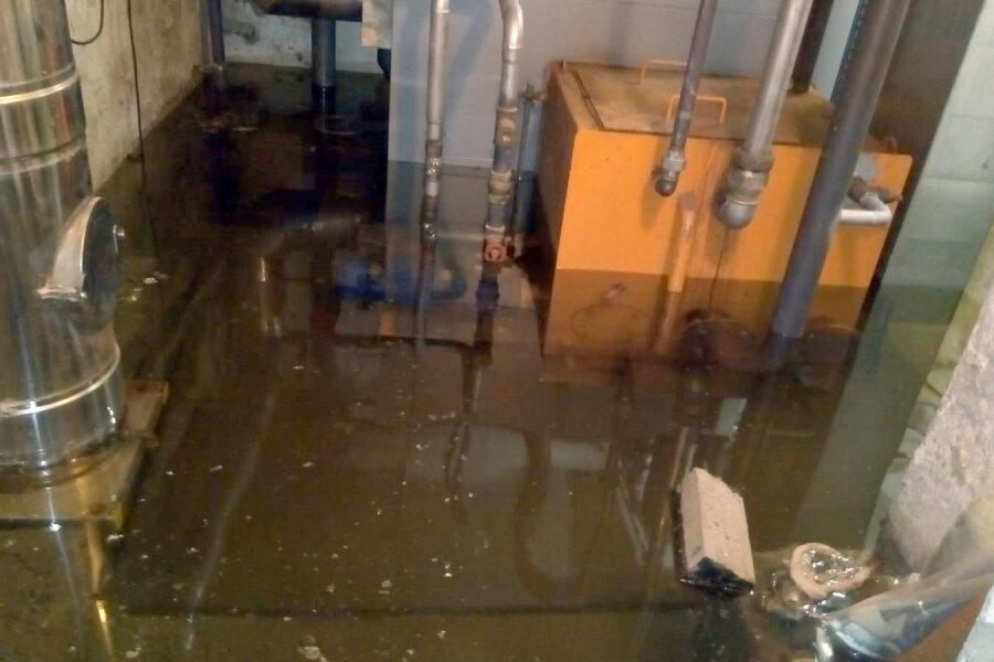 Einbrecher legen Kirchenkeller unter Wasser