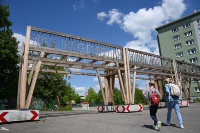 """Die zum Festival """"Gegenwarten"""" 2020 entstandene Arbeit """"Wandelgang"""" ist aus dem Stadtbild verschwunden."""