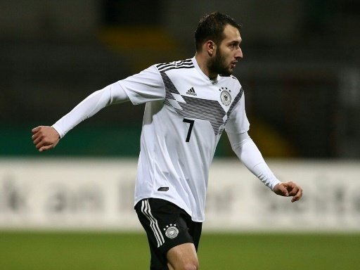 Überzeugt: Levin Öztunali erzielt das 2:0 gegen Irland