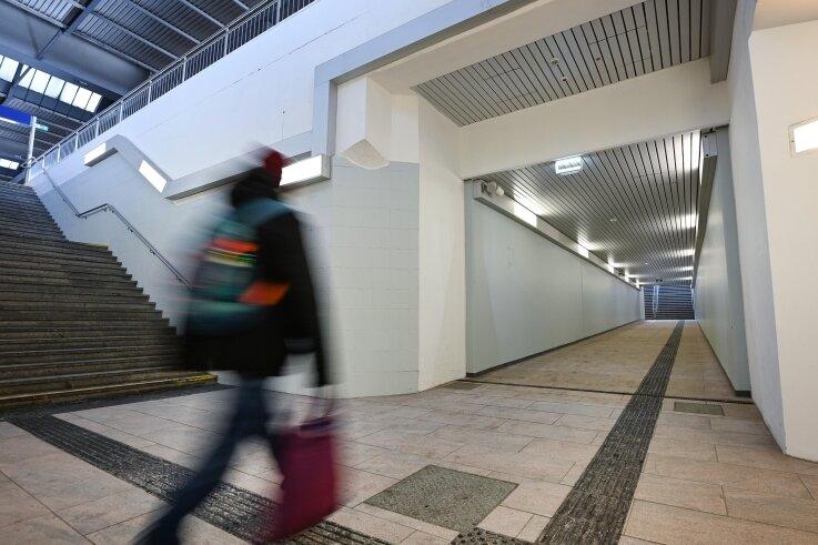 Geht es nach dem Stadtrat, soll die Unterführung am Bahnhof bald leichter nutzbar sein, etwa für Fahrgäste mit Kinderwagen.