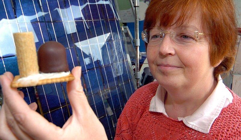 """<p class=""""artikelinhalt"""">Atomkraftwerke verspeist Renate Sauer aus Sachsenburg am liebsten als Keks. In Mittelsachsen will sie nun die Energie-Revolution ausrufen.</p>"""