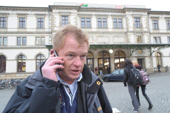 Die Bahn macht mobil. Seit einer Zugfahrt von Frankfurt nach Chemnitz hat der Werbespruch des Konzerns für Martin Haupt eine durchaus wörtliche Bedeutung.