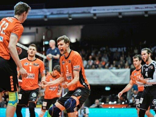 Berlin entscheidet das erste Finalspiel für sich