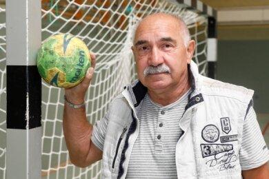 Der frühere Torhüter Manfred Meyer hat ein langes Kapitel der Handball-Geschichte in Limbach-Oberfrohna mitgeschrieben.