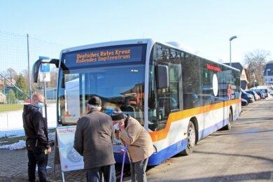 Das mobile Impfzentrum war Ende Februar erstmals in Mittelsachsen unterwegs und machte in Großhartmannsdorf Halt.