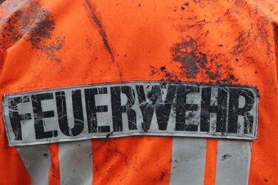 Zwei brennende Strohpressen in Niederwiesa und Leubsdorf haben am Samstag die Feuerwehren der Region in Atem gehalten.