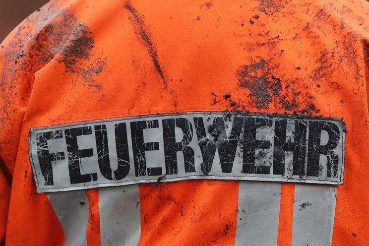 Werkstatt-Brand sorgt für Feuerwehr-Großeinsatz in Fraureuth