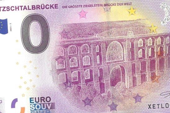 Ein besonderes Souvenir 2021: Der nagelneue 0-Euro-Schein mit dem Motiv der Göltzschtalbrücke auf der Vorderseite.
