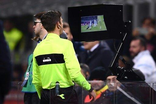 Vier Video-Assistenten sollen pro Spiel im Einsatz sein