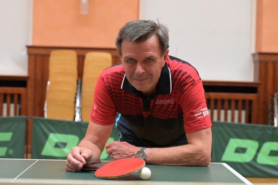 Auch mit 76 Jahren denkt Dieter Stöckel nicht ans Aufhören. Der Gornsdorfer Routinier, seit 1958 im Verein, will mit dem Landesliga-Team am Wochenende in Leipzig die ersten Punkte einfahren.