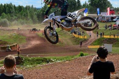 Ein Bild aus besseren Tagen der Lehmgrube Hainichen. Dort fanden auch Läufe zur Sachsenmeisterschaft im Motocross statt.