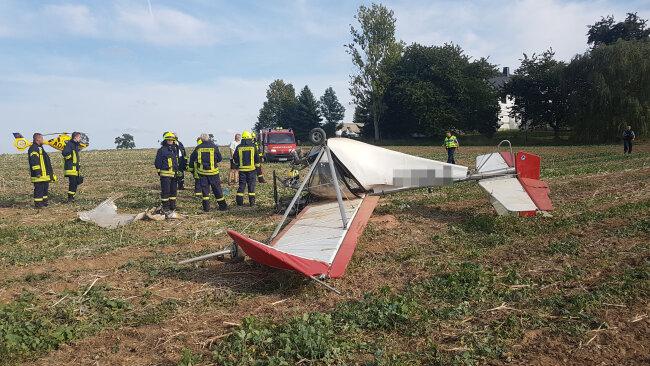 Ein Kleinflugzeug ist über einem Feld bei Seelitz abgestürzt.