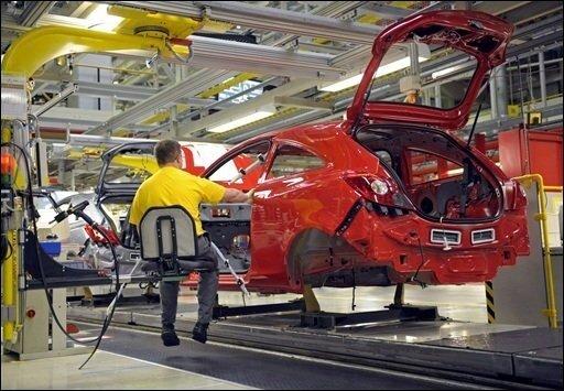 General Motors (GM) will Opel an Magna verkaufen. Mit der Entscheidung für Magna hat sich der von der Bundesregierung bevorzugte Kandidat durchgesetzt.