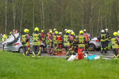 Die Feuerwehren waren mit einem Großaufgebot vor Ort.