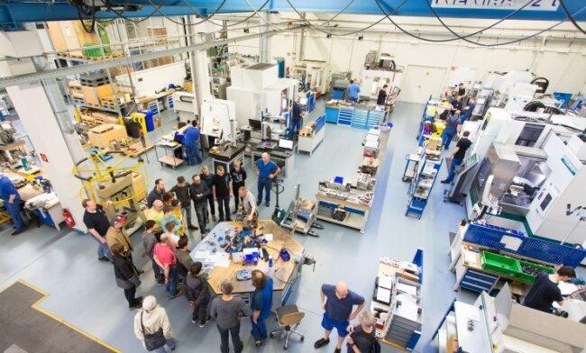 Zu den Unternehmen, die ihre Türen öffnen, gehört Wesko Stollberg - hier eine Aufnahme aus dem Vorjahr. Dort sollen unter anderem die Berufe Werkzeugmechaniker/in, Mechatroniker/in und das BA-Studium Fertigungsmesstechnik/Qualitätsmanagement vorgestellt werden.