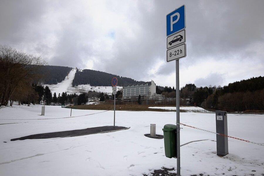 Der Parkplatz am Speichersee ist bereits neu gestaltet. Dafür angefallene Mehrkosten sind Bestandteil des diesjährigen Haushaltes. Zudem sollen einige Parkautomaten erneuert oder modernisiert werden.