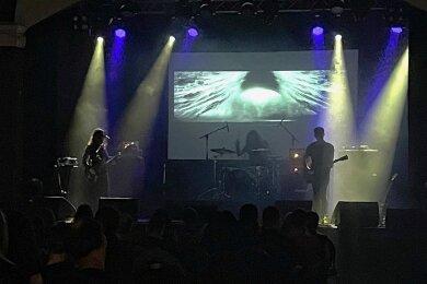 """Sternstunde im Dunkel: Die Fvnerals beim Festival """"Drowned in Gloom"""" im Felsenkeller Leipzig."""