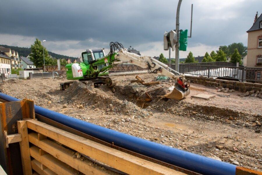 Voll gesperrt ist der Abschnitt der Bundesstraße 180 an der Zschopaubrücke in Flöha-Plaue. Der Abriss der alten Brücke soll Ende des Monats starten. Der Verkehr über die angrenzende Augustusburger Straße wird per Ampel einspurig geregelt.