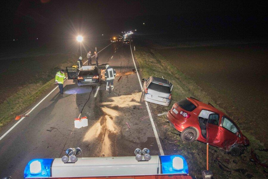 Mehrere Verletzte bei Unfall auf B 101
