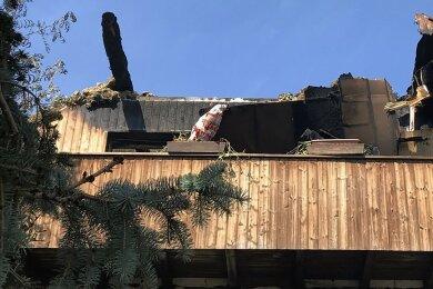 Der 63-Jährige hatte in allen Gebäudeteilen Brände gelegt. Auch dieses Haus wurde zur Ruine.
