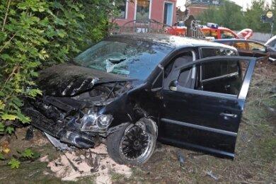 Ein 34 Jahre alter Autofahrer verursachte zwei Unfälle.