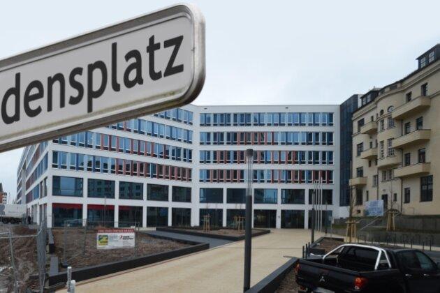 Chemnitz erhält vorm neuen Technischen Rathaus einen Friedensplatz.