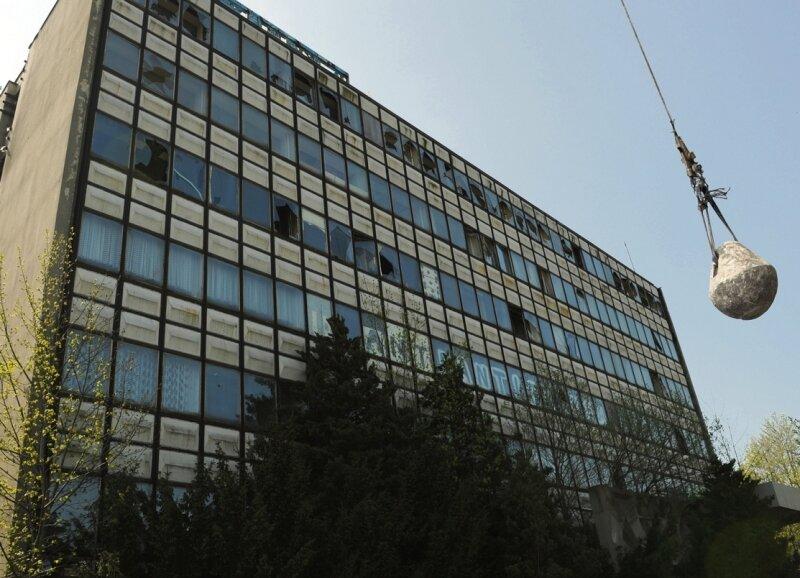 Die Tage der Textima-Brachen an der Stollberger Straße in Niederwürschnitz sind gezählt. Die Landesdirektion Chemnitz hat jetzt die finanziellen Mittel für den Abriss bewilligt.