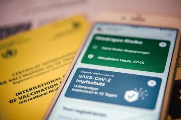 Die gut 6500 Impfungen gegen das Coronavirus, die seit April dieses Jahres in der Glückauf-Sporthalle in Freiberg verabreicht worden sind, können von der Stadtverwaltung Freiberg nicht digital bescheinigt werden.