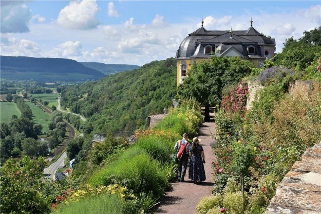 Bezaubernde An- und Aussichten: Die Dornburger Schlösser und Gärten hoch über dem Saaletal.