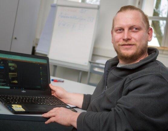 Die Arbeit von Schulsozialarbeiter Sebastian Hahn am Marienberger Gymnasium findet derzeit zum Großteil überdigitale Medien oder per Telefon statt.