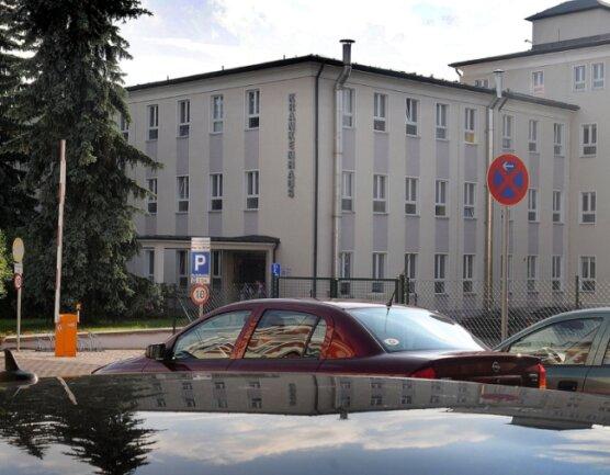 Bereiche des Krankenhauses Frankenberg müssten dringend saniert werden. Doch es fehlt an Geld.
