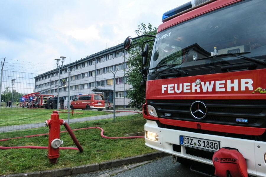 Das Feuer brach am Abend im Wohnheim für Asylbewerber aus.
