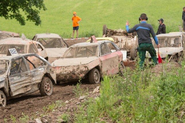 Seiffener Crash-Car-Rennen wird zum 14. Mal ausgetragen