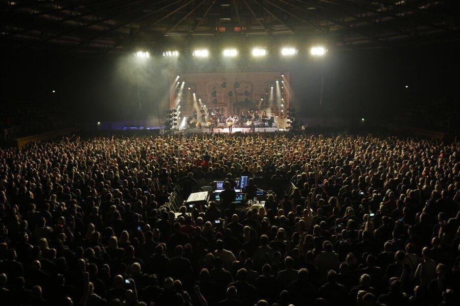 Veranstaltungen mit mehr als 1000 Besuchern wie hier in der Stadthalle Zwickau sind vorerst verboten.