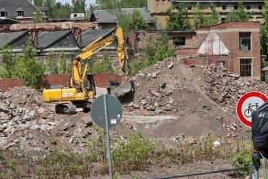 Die Palla-Färberei im Glauchauer Stadtteil Wehrdigt wird nach dem Fahrzeuggetriebewerk abgerissen.