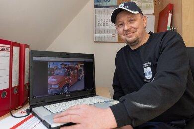 Im Internet entdeckte Ortswehrleiter Marcus Einenkel das gebrauchte Kleinlöschfahrzeug in Thüringen. Nun hofft er, dass genug Geld zusammenkommt.