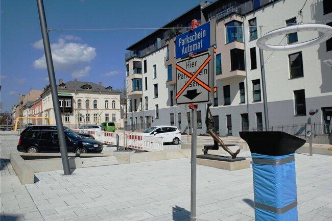 Wegen Bauarbeiten auf der Weststraße ist das Parken auf dem Solbrigplatz voraussichtlich bis 11. Juni kostenlos möglich.