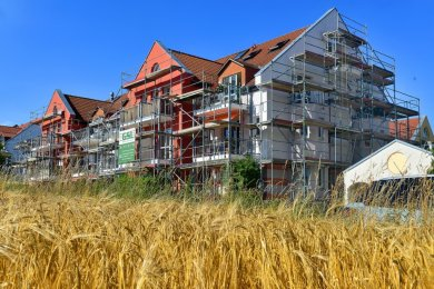 Wohnhäuser im Gebiet am Sachsenpark in Dittersbach: Der in diesem Monat angebrachte neue Anstrich der Fassade wurde von der Eigentümergemeinschaft im Sommer 2019 beschlossen.